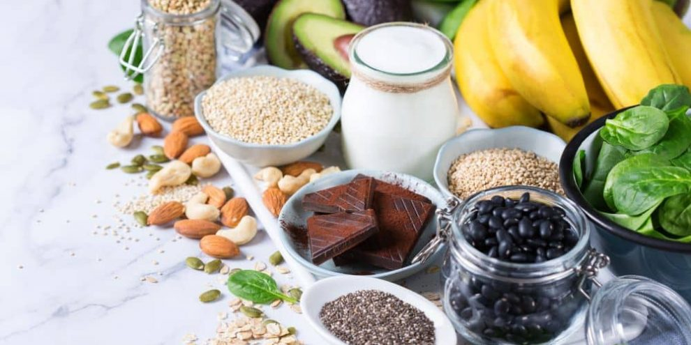 Foods that keeps you energized are usually rich in fibre, magnesium, and zinc.